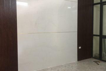 Thi công lắp dựng tấm PVC vân đá, lam nhựa giả gỗ tại Hàm Tử Quan, Hoàn Kiếm.